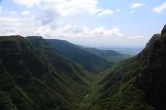 (Thiago Marra) Tags: brazil sky cliff brasil rocks border pass dingle gap canyon valley vegetation ravine gorge santacatarina riograndedosul frontier defile crag kloof gullet cambarádosul