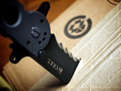 Cut (294/365) (Jack Amick) Tags: river box cut knife olympus columbia cardboard knives 365 ep1 crkt project365