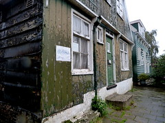 Weathered (Grenzeloos1 -) Tags: house holland weathered marken
