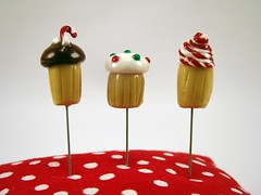 cupcake holiday pin toppers