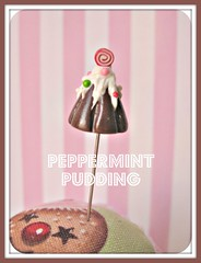 peppermint figgie pudding pin topper (Pinks & Needles (used to be Gigi & Big Red)) Tags: quilt sewing craft sew pincushion etsy gigiminor pinksandneedles pintoppers pintopper sewingpin