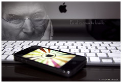 Steve Jobs (Mi matadero clandestino) Tags: people bw white man black color byn apple death mac imac gente camino manzana teclado dream ordenador movil muerte vida scorpions reality stevejobs lucia poesia visual reflexion hombre iphone huella humanidad creador digitalcameraclub ojeda