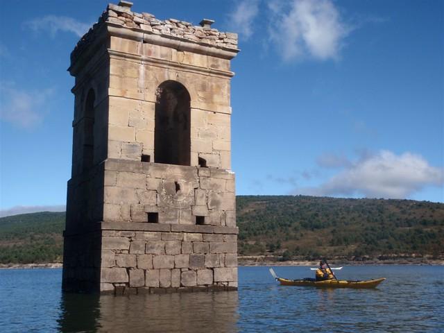 Kayak en el Embalse de la Cuerda del Pozo (Soria)