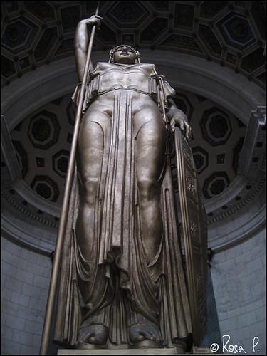 Cuba- Statue
