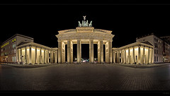 Brandenburger Tor (FH | Photography) Tags: city panorama berlin leer hauptstadt architektur tor brandenburgertor quadriga mitte tourismus nachtaufnahme menschenleer pariserplatz nachts sulen historisch abends sehenswrdigkeit treffpunkt berlinmotiv frankherrmann