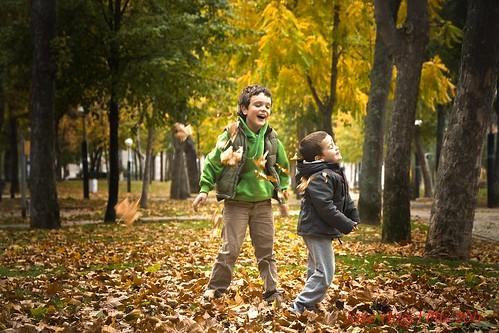 Jugando en otoño