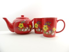 Red Teapot Cups Hand Painted Flowers (Painting by Elaine) Tags: flowers red kitchen glass yellow ceramic mugs colorful tea painted cups handpainted teapot serving glassware setof3 paintingbyelaine