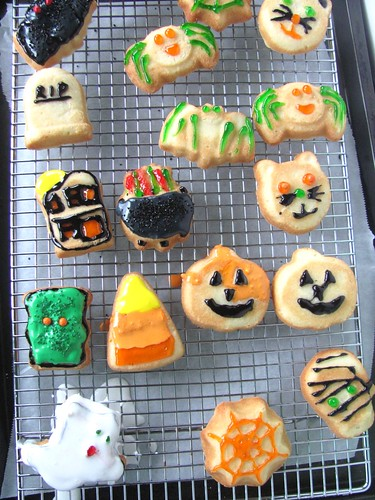 Decorated Halloween Cookies with Royal Icing