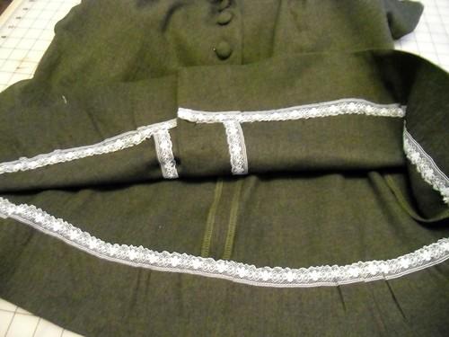 wool ceylon - lace hem
