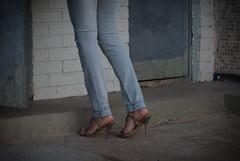 3634tw (Chico Ser Tao) Tags: street brazil woman sexy brasil women highheels legs mulher pernas rua mulheres voyer sandália saltoalto voyerismo