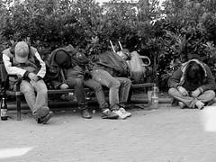 Tres más uno igual a cuatro/Three plus one equals four (Joe Lomas) Tags: poverty madrid street leica urban blackandwhite bw españa byn blancoynegro public bench real calle spain nap sleep candid poor dream banco bn beggar snooze siesta reality streetphoto urbano pobre doze dormir durmiente sleeper indigente sueño mendigo dozing pobreza indigencia durmiendo urbanphoto publico mansleeping realidad callejero cabezada limosna robados realphoto hombredurmiendo necesitado pordiosero limosnero fotourbana fotoenlacalle dormitando fotoreal leicaphoto sueñourbano urbansleep 4tografie