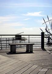 Port des callonges (jackline22 ( Absente quelques semaines )) Tags: mer france nature port horizon bleu ciel nuage nuages marais banc aquitaine bancs gironde estuaire carrelet estuairedelagironde