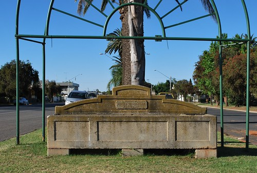Bills Horse Trough, Yanco