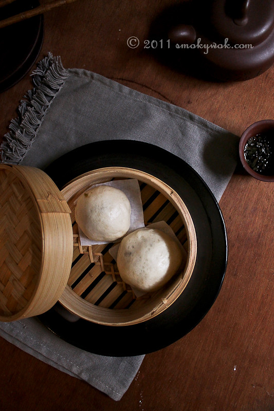 Homemade Chinese Steamed Pork Buns/ Bao 菜肉包