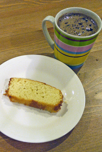 Lemon Pound Cake + Hot Cocoa