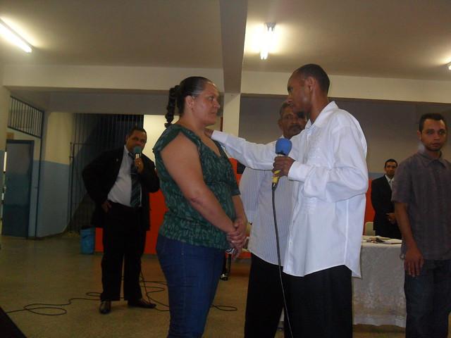 Cantor Juninho Blessed ganhando almas pra Jesus