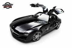 SLS AMG 6.3L V8 (autodetailer) Tags: mercedesbenz v8 sls amg supercarscarcarsautodetailerstudiomacdudedarrenchangsonywaterbeadinghydrophobichydrophillicdetailingpaintworkshowcarswheels