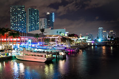 Miami Nights (ohad*) Tags: blue red black building water canon bay boat purple florida miami bayside ohad downtownmiami 50d ohadonline americanairlinesarena canon50d canonef24105mmf4 ohadbenyoseph ohadme ohadby