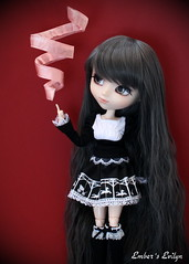 Evilyn spinning ribbons (pure_embers) Tags: uk sisters dark eyes ribbons dolls witch magic gothic gray royal melody spinning pullip pure embers realistic telekinesis leeke obitsu evilyn leekeworld