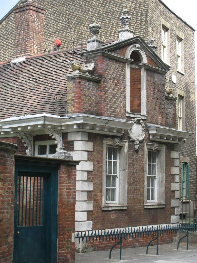 Almshouses at Trinity Green, Whitechapel (1695)
