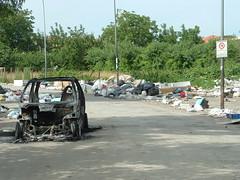Piacevoli viali (ph_GG) Tags: street italy smart italia campania rifiuti incendio divieto scarico aversa