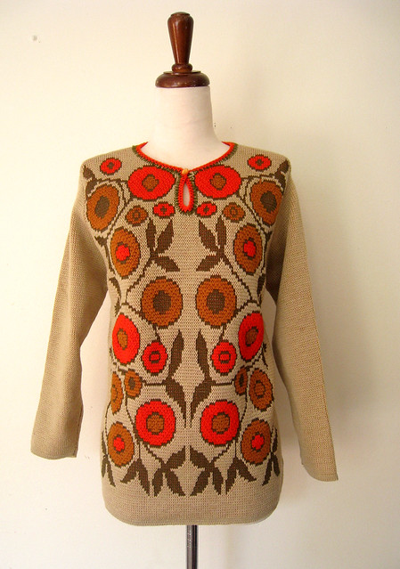 Folk Floral Colorful Keyhole Sweater, vintage 70s