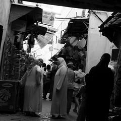 In Fes (Olivier Th) Tags: pictures africa street people canon geotagged photo photos muslim islam picture streetphotography unesco morocco maroc marocco maghreb medina marrakesh ruelle rue marruecos personne thao reportage marrocos afrique morrocco   musulman ges vieilleville fs maroco photoderue patrimoinemondial marraquech 40d