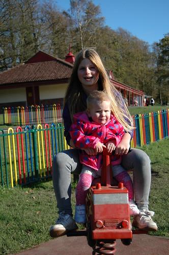 Rouken Glen play park by PhylB