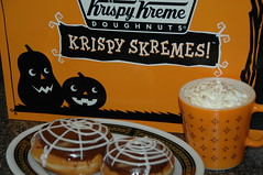 Krispy Skremes! (the_robins.nest) Tags: orange black vintage spiderweb krispykreme foulard doughnuts ebony pyrex 1410 794 krispyskremes