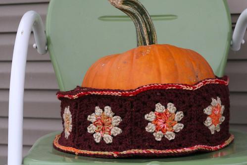 scarf /pumpkin