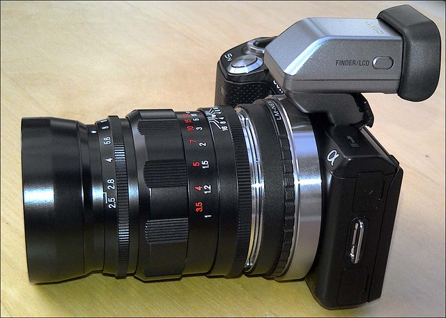 Sony NEX-5N Voigtlander 75mm f/2.5 Heliar and OLED viewfinder