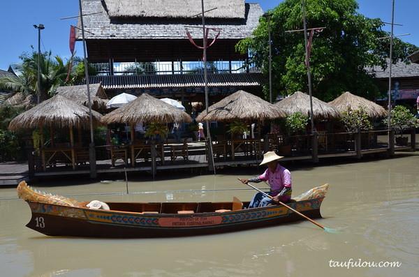 pattaya floating Market (9)