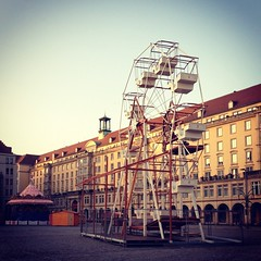 Preparations (macsoapy) Tags: urban square weihnachtsmarkt riesenrad iphone striezelmarkt altmarkt karussel instagram