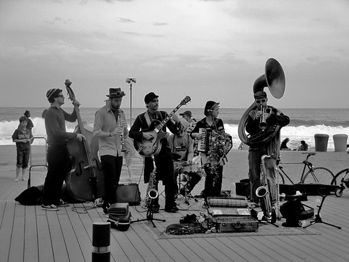 Banda Callejera en la playa de la Barceloneta