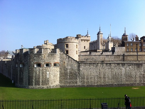 "Tower of London • <a style=""font-size:0.8em;"" href=""http://www.flickr.com/photos/28749633@N00/7012352897/"" target=""_blank"">View on Flickr</a>"