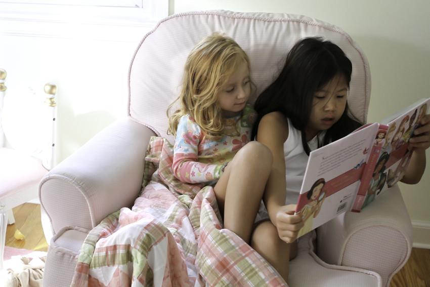 sister reading