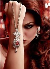 auburn with necklace (munnybear) Tags: longhair jewelry earrings bling redhair necklaces rubies auburnhair longwavyhair wavylonghair reheads womenwithlonghair