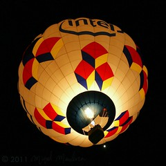 Balloon Fiesta Dawn Patrol (Shutter_Hand) Tags: camera usa newmexico beauty digital sony balloon albuquerque intel alpha 700 globo bestofflickr hotairballon bestphoto internationalballoonfiesta ballonfiesta dawnpatrol globoaerostatico miguelmendoza sonyalpha700 lenscraft carlzeissvariosonnartdt1680mmlens