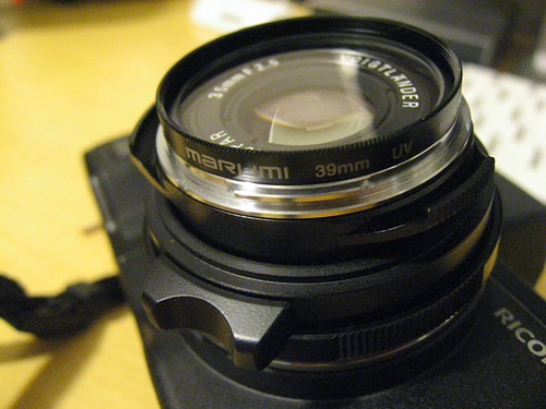 VOIGTLANDER COLOR-SKOPSR 35mm F2.5 with MARUMI FILTER SCREW IN TYPE