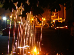 rideau de lumire (Adrakk) Tags: india festival fireworks cracker diwali firecracker ptard inde feudartifice pataka dipavali
