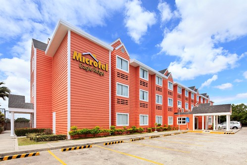 MICROTEL CAVITE - Facade Daytime_new
