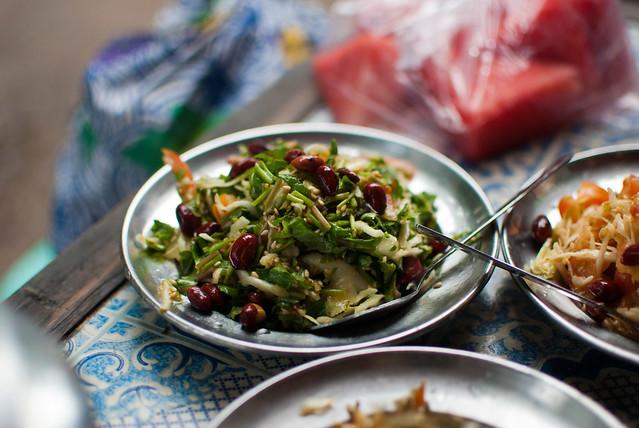 Minkwayyuet thoke (pennywort salad)