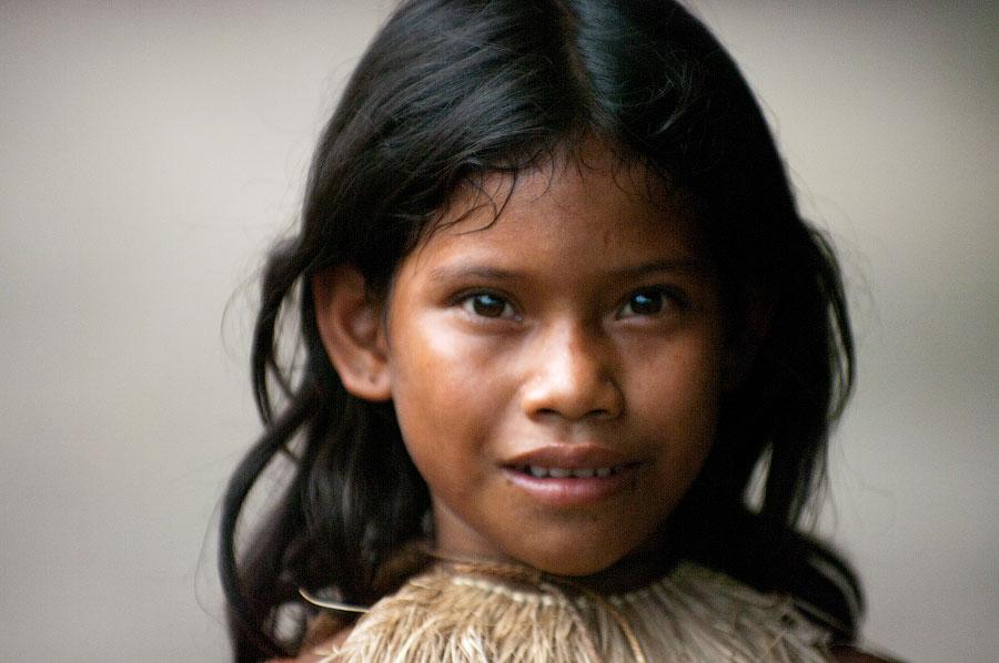 Девочка из племени Ягуа. Амазонка, Перу 2011 © Kartzon Dream - авторские путешествия, авторские туры в Перу, тревел видео, фототуры