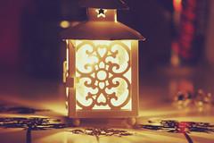 However, no light stays on forever... (Bruna Lacrout ☆) Tags: vintage photography lights lomography bokeh efeito luzes vela éavidafazessascoisascomagente desculpamesmo
