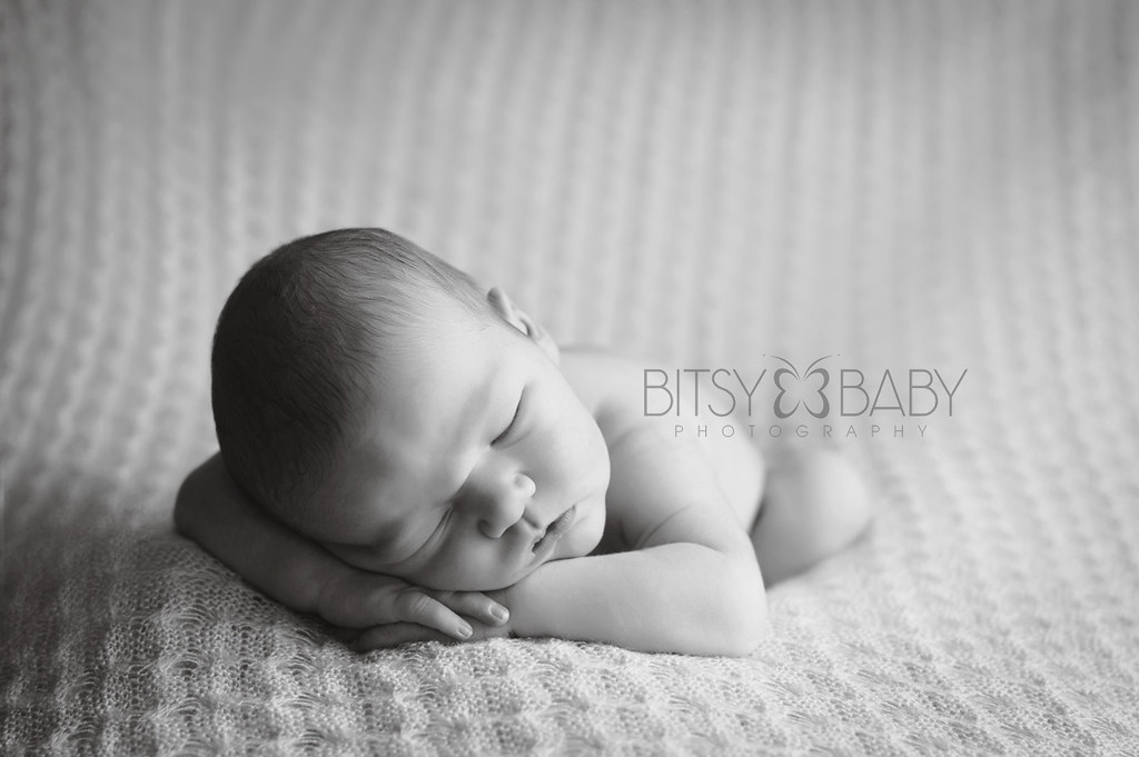 newborn photograph bw
