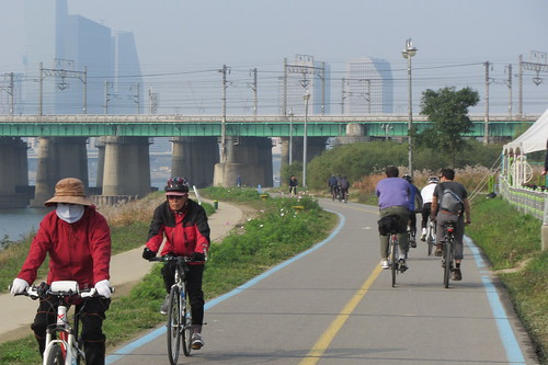 Han River cycle path