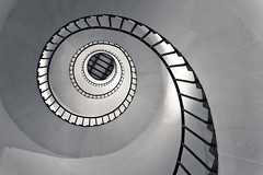 """Mind's Eye (""""The Wanderer's Eye Photography"""") Tags: old light panorama lighthouse india abstract black building tower history monument beautiful up wall architecture stairs canon circle spiral eos design coast high stair paint pattern view top interior infinity bangalore shell snail landmark kerala structure stairway step staircase round handrail inside swirl local railing dslr guardrail karnataka beacon kollam built circular digitalphotography quilon arabiansea hypnotize spiralstair tangasseri tangasserilighthouse canoneos450d bangalorephotographers canoneosrebelxsi rubenalexander thewandererseye tangasseripointlighthousestation 08°527'n76°340'e quilonkollam tsunamiwavebreaker thebritisheastindiaco"""