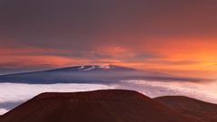 Summit (D Breezy - davidthompsonphotography.com) Tags: travel light sunset vacation color fog clouds volcano hawaii unitedstates pacificocean bigisland 169 maunaloa cindercone abovetheclouds 24105mml maunalea canon5dmarkii