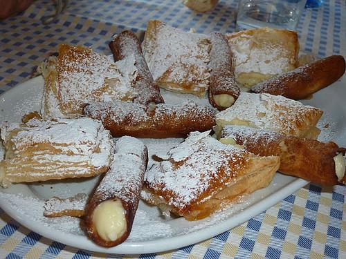 Tirgo | Bodega el Pimiento | Canutillos y Milhojas