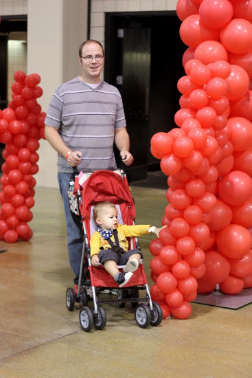 JapanFest, Orson with balloons